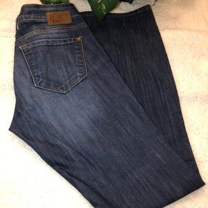 Mavi (Bella) Jeans  26/32 Slim Bootcut Lowrise